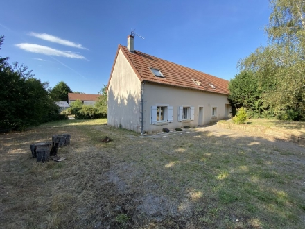 Location Maison 7 pièces Lissay-Lochy (18340) - Lissay Lochy